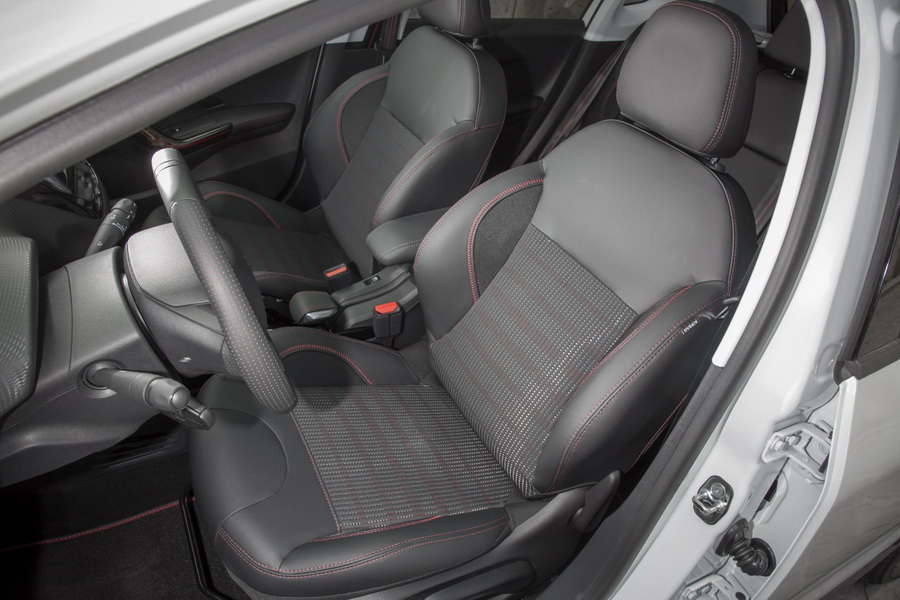 citro n c3 aircross vs peugeot 2008 le premier match photo 14 l 39 argus. Black Bedroom Furniture Sets. Home Design Ideas