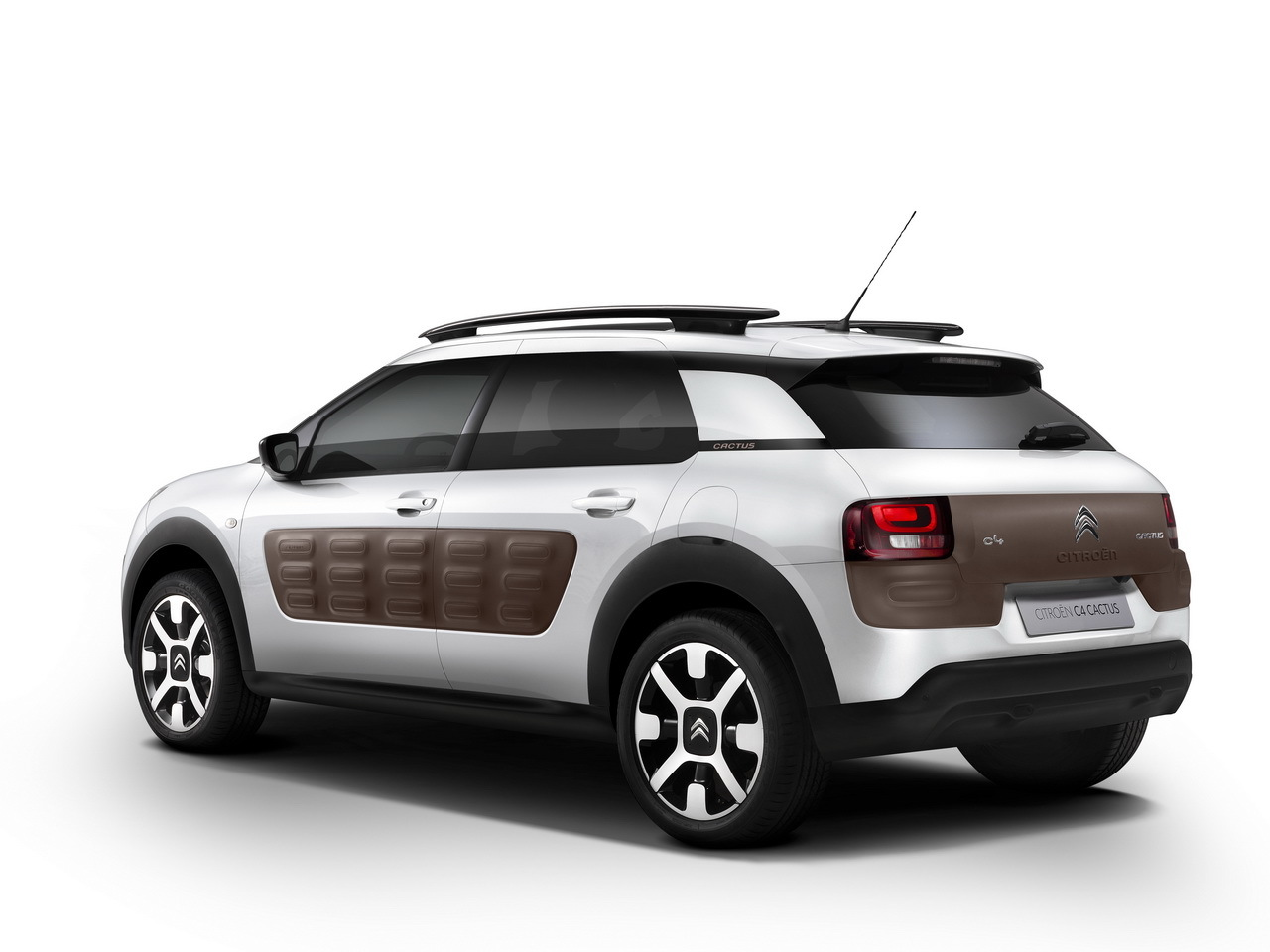 citroen c4 cactus la nouvelle citro n c4 cactus pique. Black Bedroom Furniture Sets. Home Design Ideas