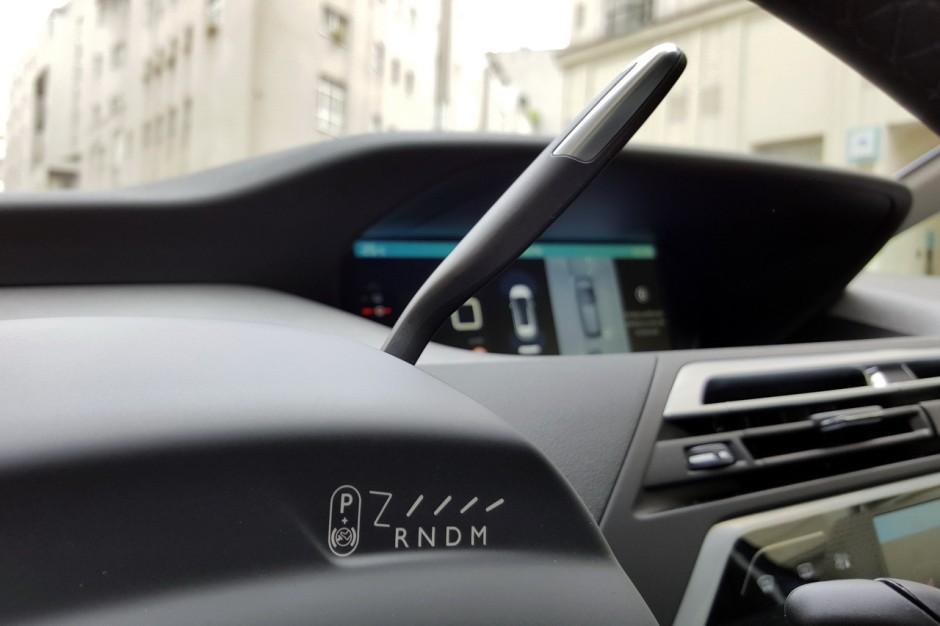 [SUJET OFFICIEL] Citroën C4 Cactus [E31] - Page 37 Citroen-c4-picasso-2016-bleu-shine-essai-19