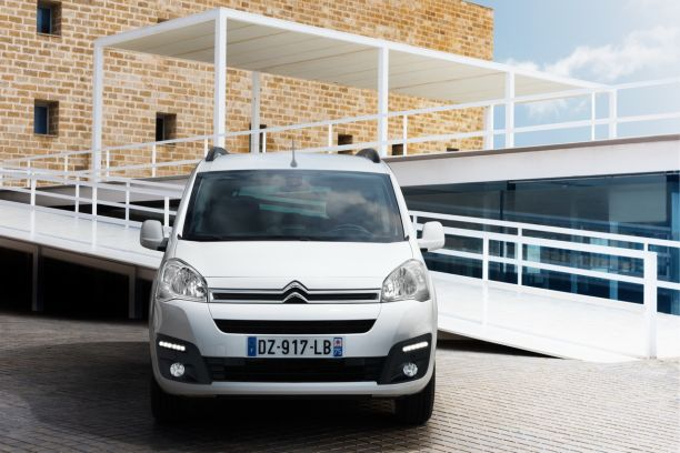 Citroën E-Berlingo Multispace vue avant couleur blanche