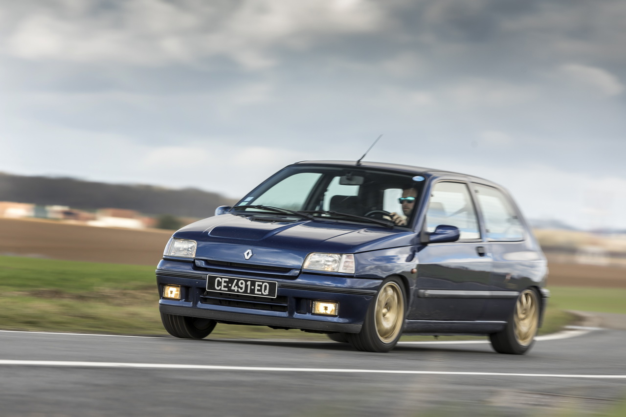 renault clio williams vs clio rs trophy c 39 tait mieux avant photo 16 l 39 argus. Black Bedroom Furniture Sets. Home Design Ideas