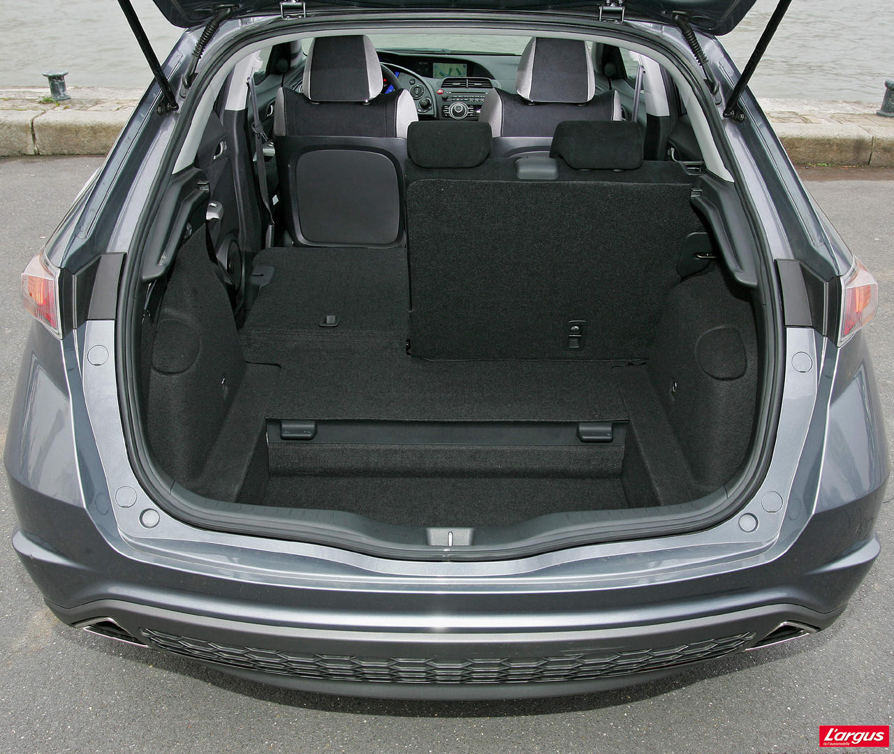 Honda civic viii vie à bord