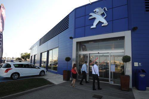 Les ventes de Peugeot se sont envol�es de 20,4% en juin mais sa part de march� reste en dessous de 17%.