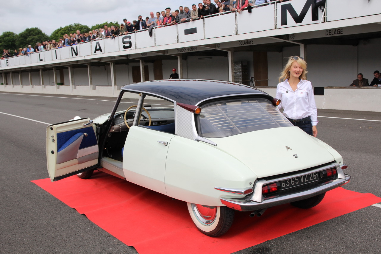 argus voitures anciennes interdictions des voitures anciennes paris le point assurance moto. Black Bedroom Furniture Sets. Home Design Ideas