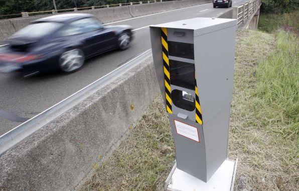 Radar au bord de la route