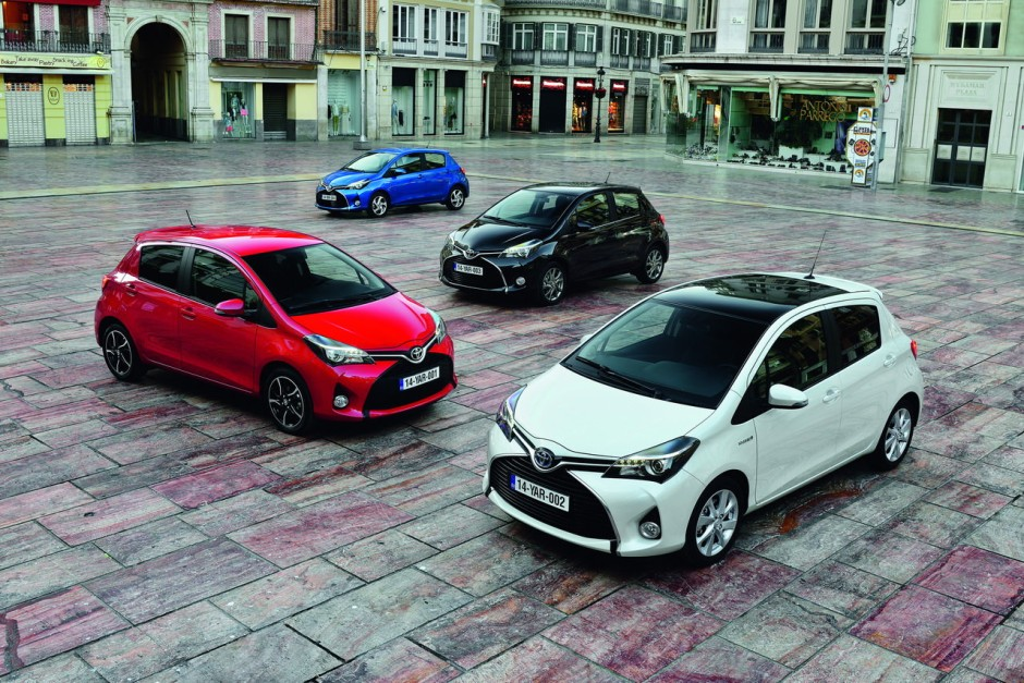 essai toyota yaris 100h hybride 2014 une mise jour salutaire photo 3 l 39 argus. Black Bedroom Furniture Sets. Home Design Ideas