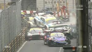 Course Macao FIA GT World Cup crash