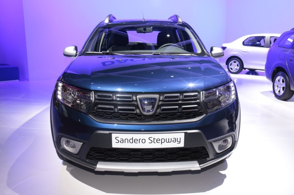 dacia sandero la nouvelle sandero d voil e au mondial de l 39 auto 2016 photo 3 l 39 argus. Black Bedroom Furniture Sets. Home Design Ideas