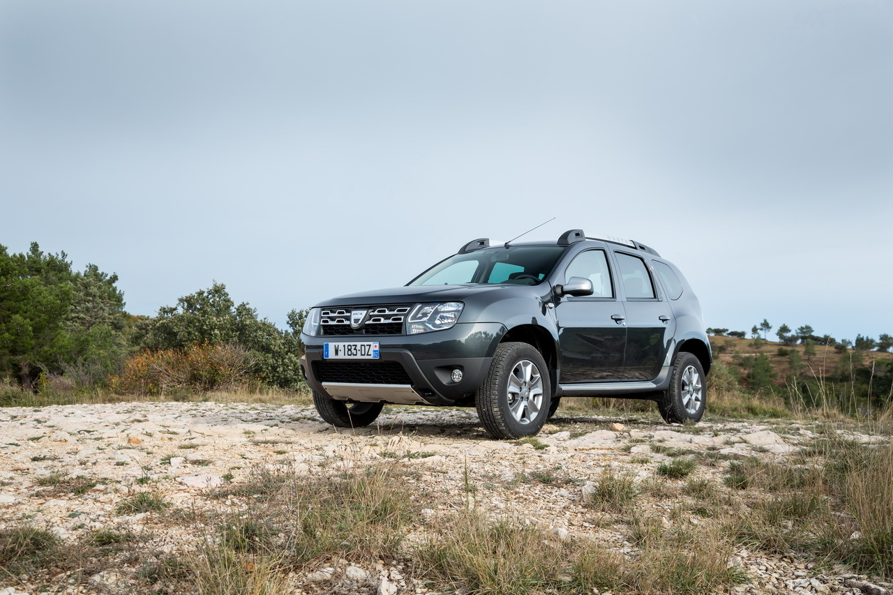 dacia duster 2015 deux nouveaux moteurs euro 6 dans la. Black Bedroom Furniture Sets. Home Design Ideas