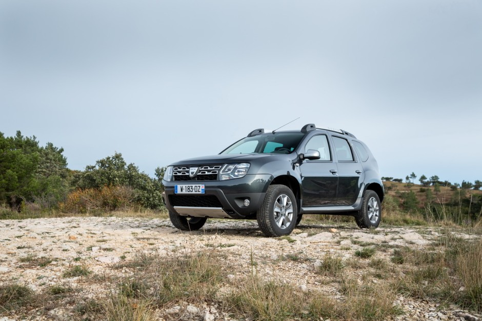 dacia duster 2015 deux nouveaux moteurs euro 6 dans la gamme photo 3 l 39 argus. Black Bedroom Furniture Sets. Home Design Ideas