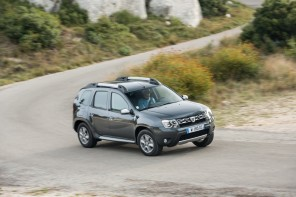 Dacia Duster dynamique virage