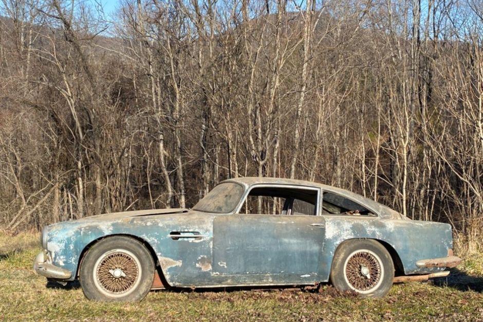 Aston Martin DB4 grange 2