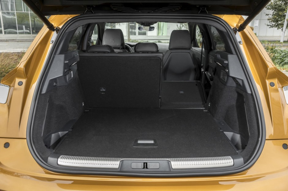 essai ds7 crossback au volant du premier suv de ds photo 24 l 39 argus. Black Bedroom Furniture Sets. Home Design Ideas