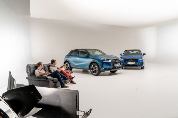 DS3 Crossback Audi Q2 vues avant studio photo fond blanc