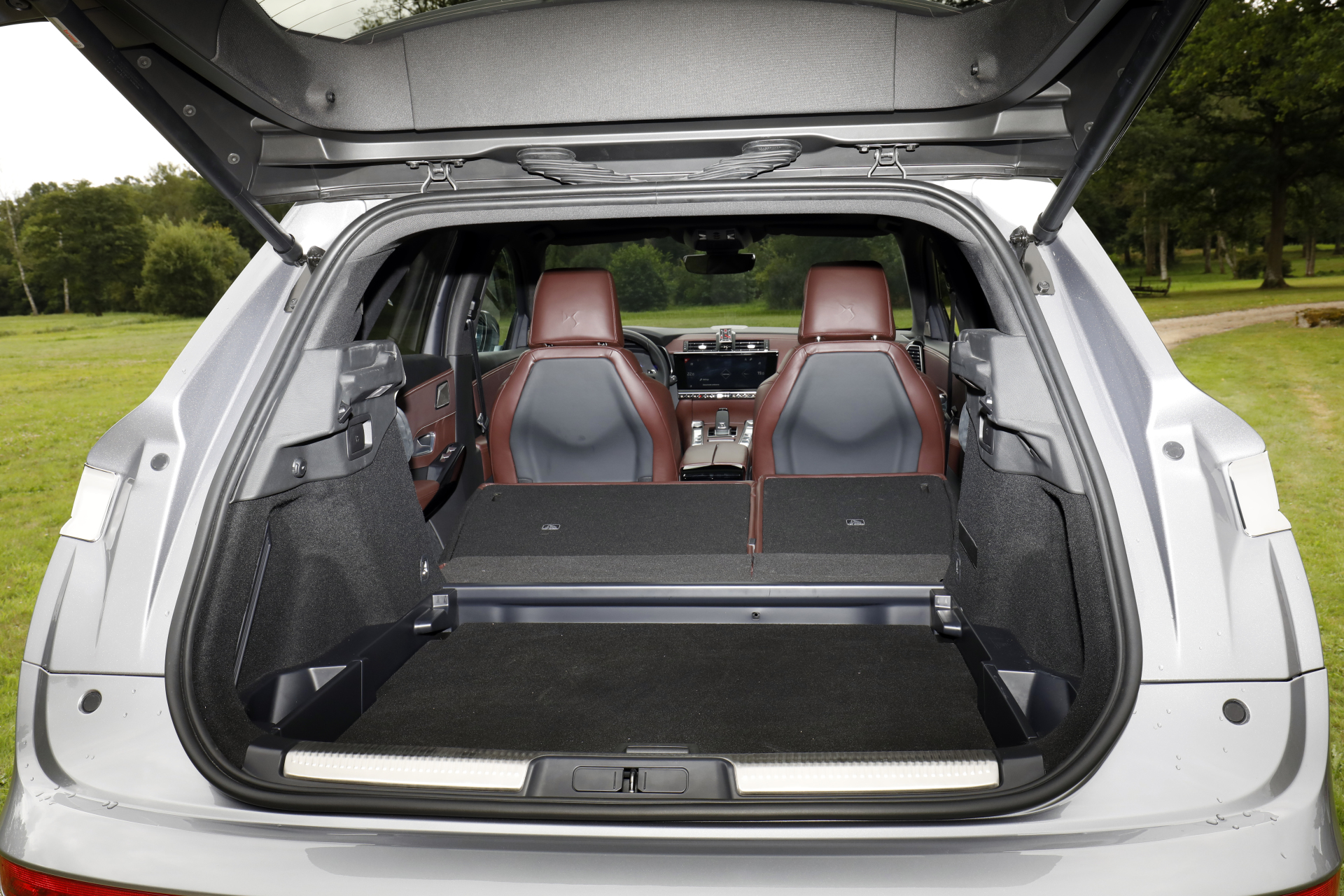 exclusif le ds7 crossback affronte le volvo xc60 2017. Black Bedroom Furniture Sets. Home Design Ideas