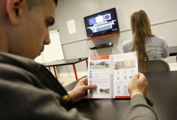 examen du permis de conduire comment cela se passe l 39 argus. Black Bedroom Furniture Sets. Home Design Ideas