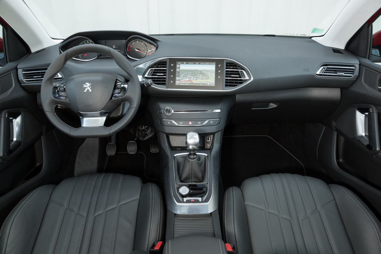 Peugeot 308 sw p 26 for Interieur 308