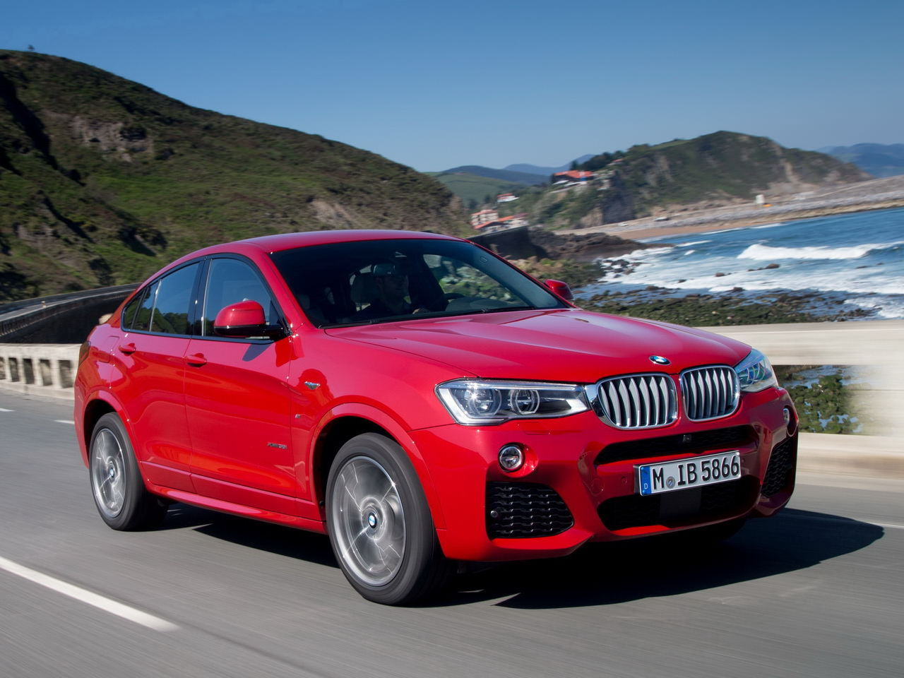 essai du bmw x4 35i 2014 un suv n sous x l 39 argus. Black Bedroom Furniture Sets. Home Design Ideas