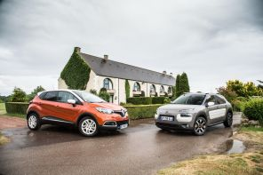 Photo du Renault Captur face au nouveau Citroën C4 Cactus - 2014