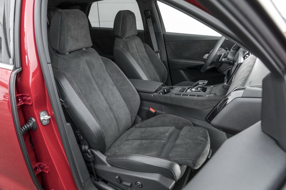 essai comparatif le ds7 crossback d fie le peugeot 3008 gt photo 61 l 39 argus. Black Bedroom Furniture Sets. Home Design Ideas
