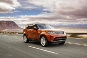 3/4 avant Land Rover Discovery 2017