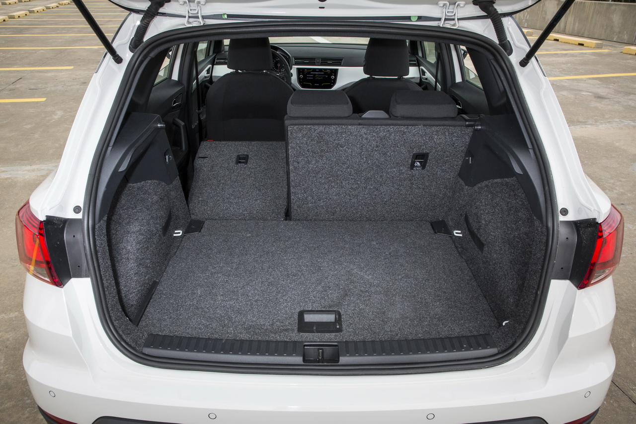 essai comparatif suv le seat arona d fie le peugeot 2008 essence photo 41 l 39 argus. Black Bedroom Furniture Sets. Home Design Ideas