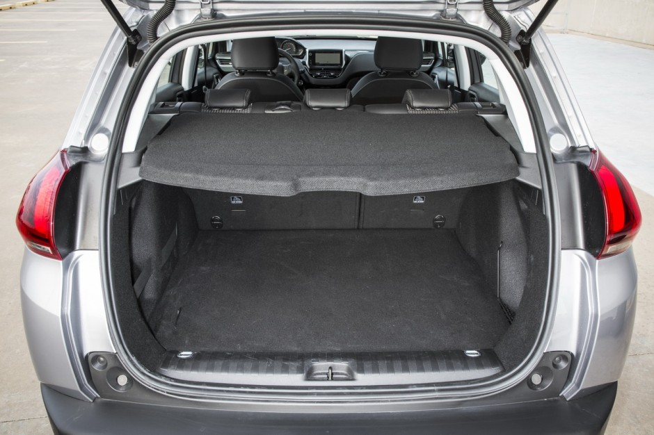 essai comparatif suv le seat arona d fie le peugeot 2008 essence photo 71 l 39 argus. Black Bedroom Furniture Sets. Home Design Ideas