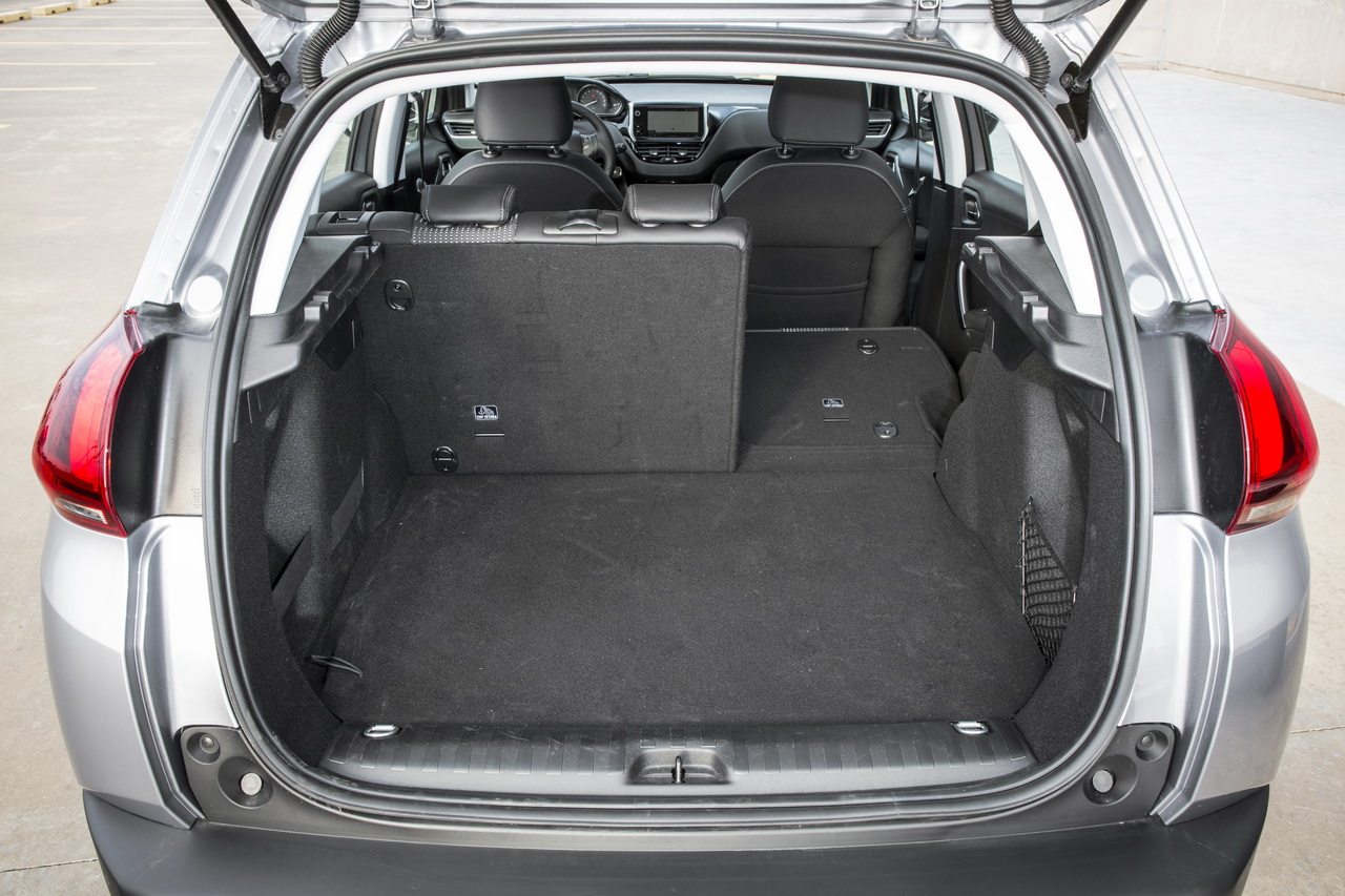 essai comparatif suv le seat arona d fie le peugeot 2008 essence photo 72 l 39 argus. Black Bedroom Furniture Sets. Home Design Ideas