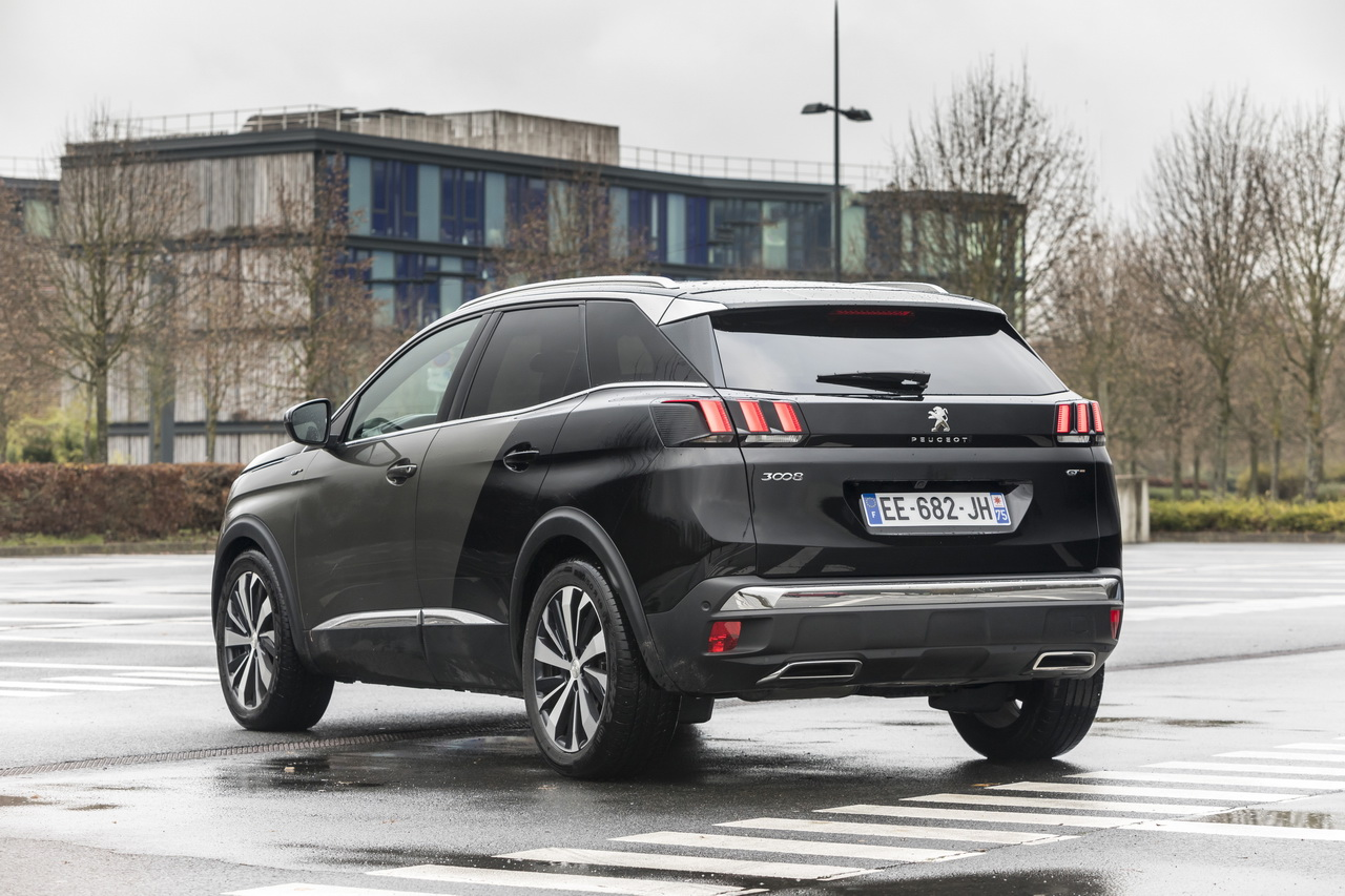 essai comparatif le ds7 crossback d fie le peugeot 3008 gt photo 75 l 39 argus. Black Bedroom Furniture Sets. Home Design Ideas