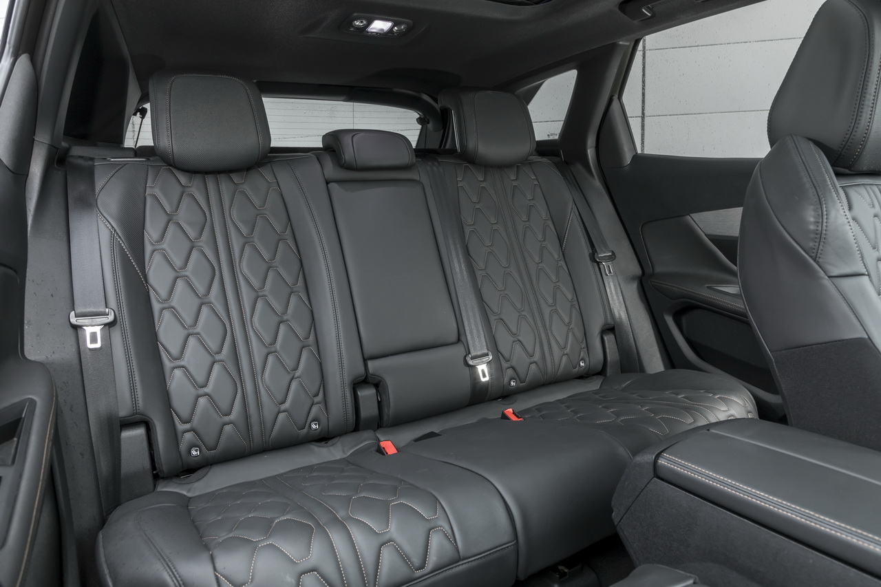 essai comparatif le ds7 crossback d fie le peugeot 3008. Black Bedroom Furniture Sets. Home Design Ideas