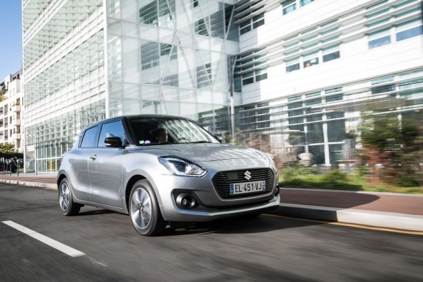 Suzuki Swift 2018 travelling avant droit
