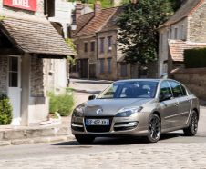 3/4 avant Renault Laguna 3