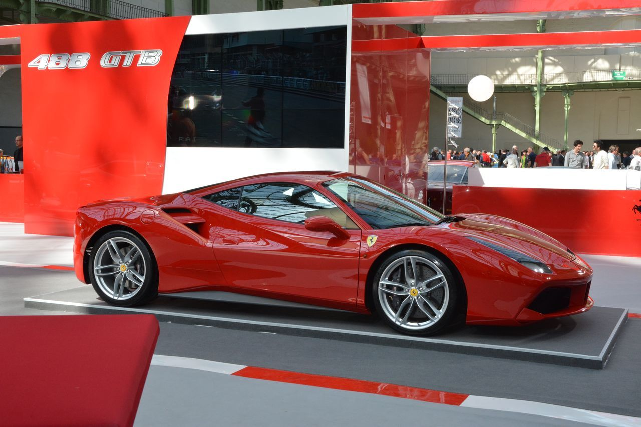 ferrari 488 gtb premi re fran aise l 39 occasion du tour auto 2015 l 39 argus. Black Bedroom Furniture Sets. Home Design Ideas