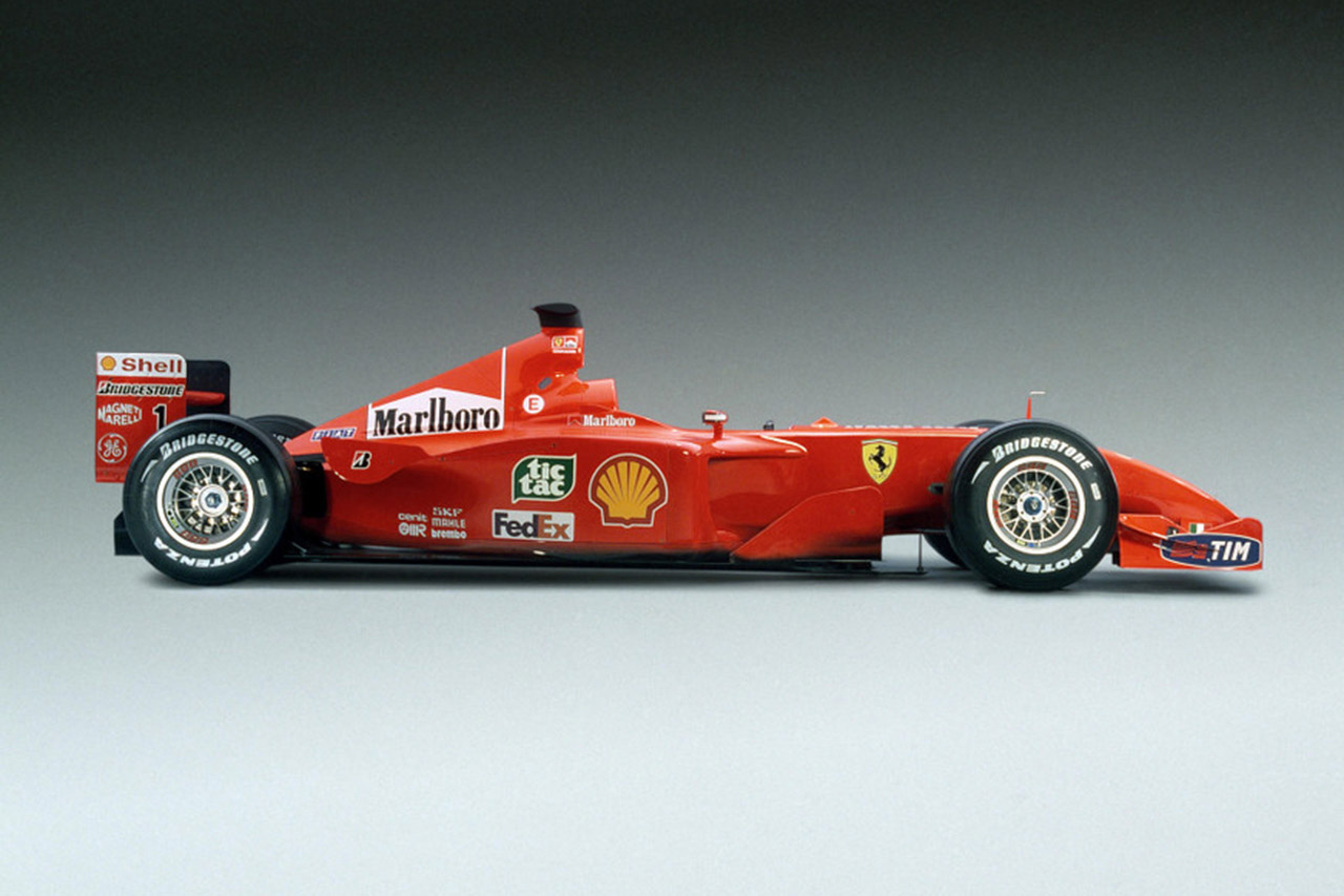 la ferrari f2001 de michael schumacher vendue 6 3 millions d 39 euros voitures anciennes auto. Black Bedroom Furniture Sets. Home Design Ideas