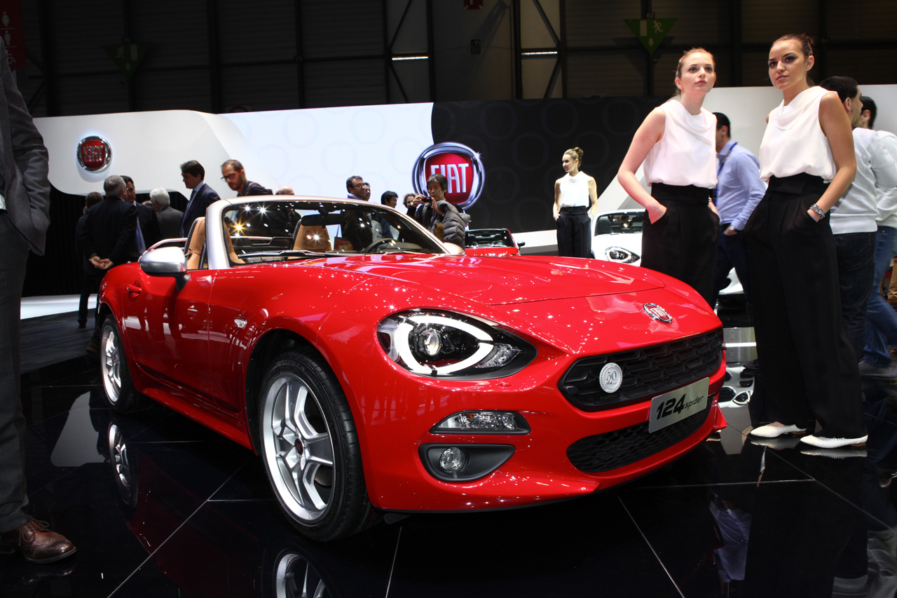 salon de gen ve 2016 le top des italiennes fiat 124 spider l 39 argus. Black Bedroom Furniture Sets. Home Design Ideas