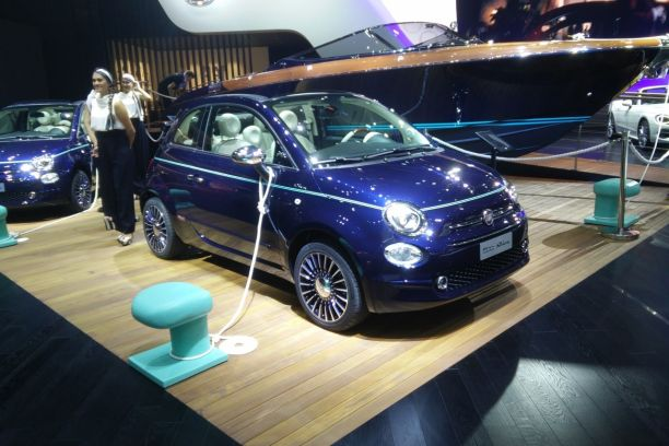 fiat 500 riva un mini yacht accoste au mondial de l 39 auto 2016 l 39 argus. Black Bedroom Furniture Sets. Home Design Ideas