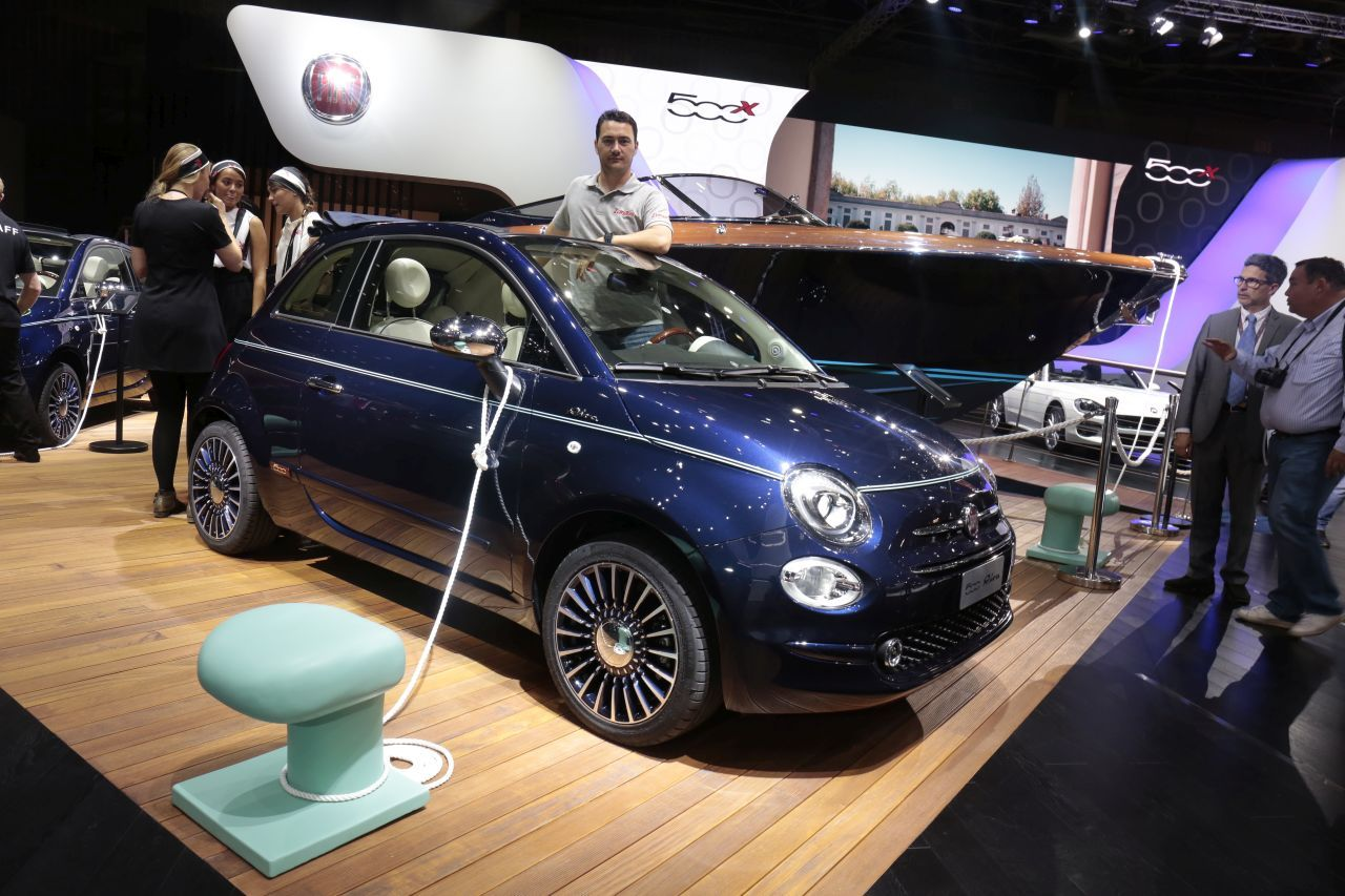 fiat 500 riva un mini yacht accoste au mondial de l 39 auto 2016 photo 5 l 39 argus. Black Bedroom Furniture Sets. Home Design Ideas