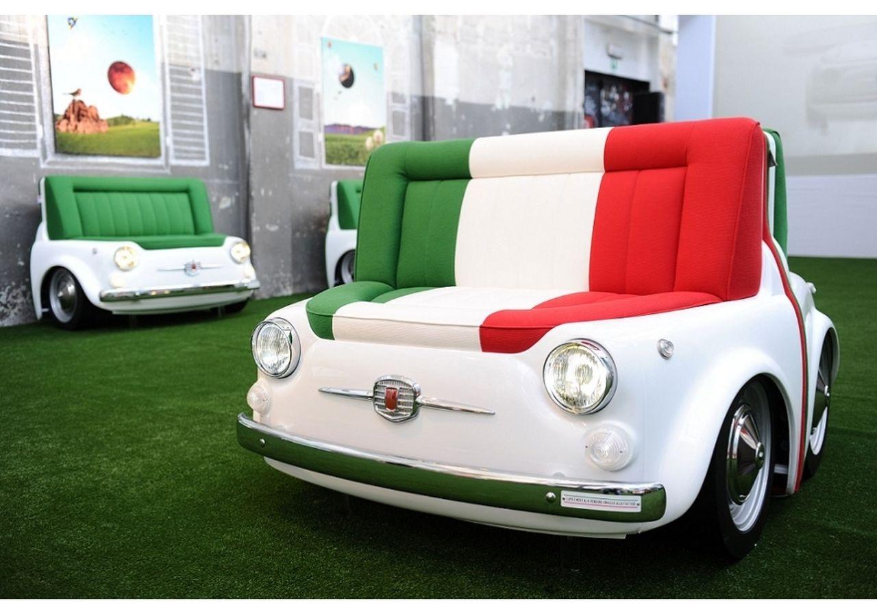 le top 50 des fiat 500 insolites fiat 500 sofa meritalia. Black Bedroom Furniture Sets. Home Design Ideas