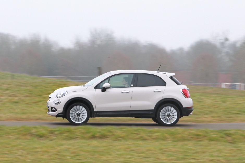 essai comparatif fiat 500x vs renault captur le match des. Black Bedroom Furniture Sets. Home Design Ideas