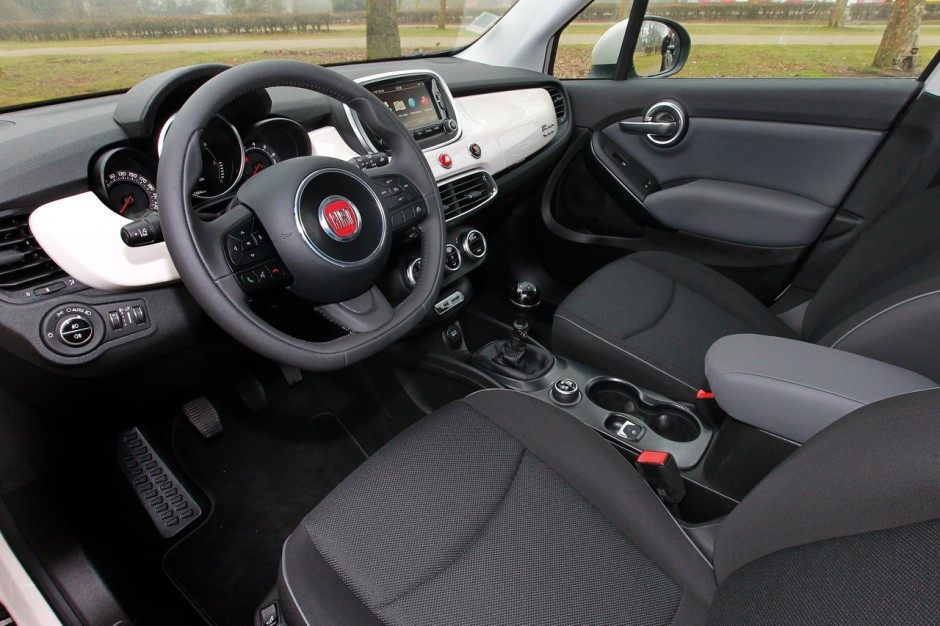 essai comparatif fiat 500x vs renault captur le match des suv essence photo 7 l 39 argus. Black Bedroom Furniture Sets. Home Design Ideas