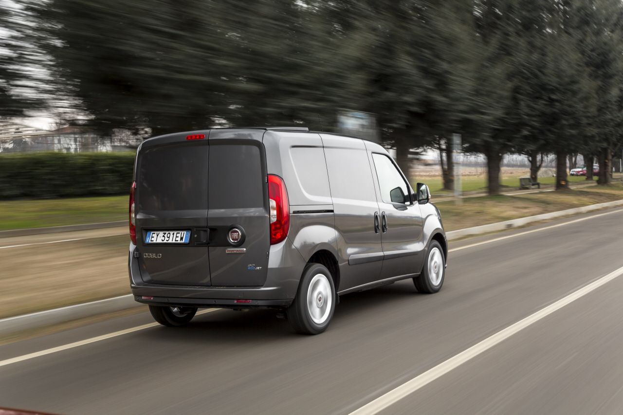 fiat doblo cargo 2015 toujours plus pro photo 14 l 39 argus. Black Bedroom Furniture Sets. Home Design Ideas
