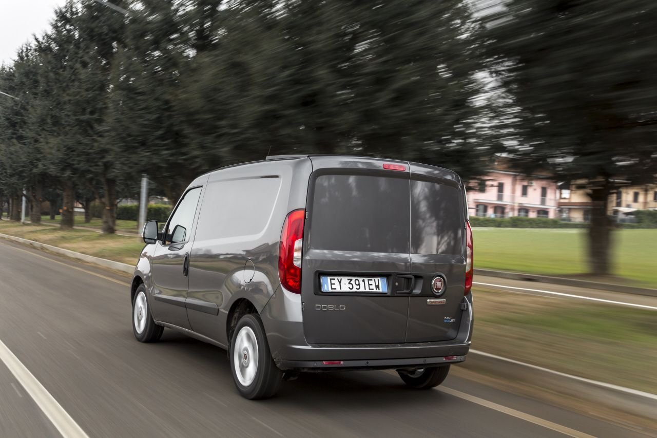 fiat doblo cargo 2015 toujours plus pro photo 5 l 39 argus. Black Bedroom Furniture Sets. Home Design Ideas