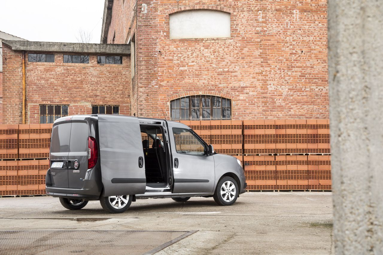 fiat doblo cargo 2015 toujours plus pro photo 4 l 39 argus. Black Bedroom Furniture Sets. Home Design Ideas