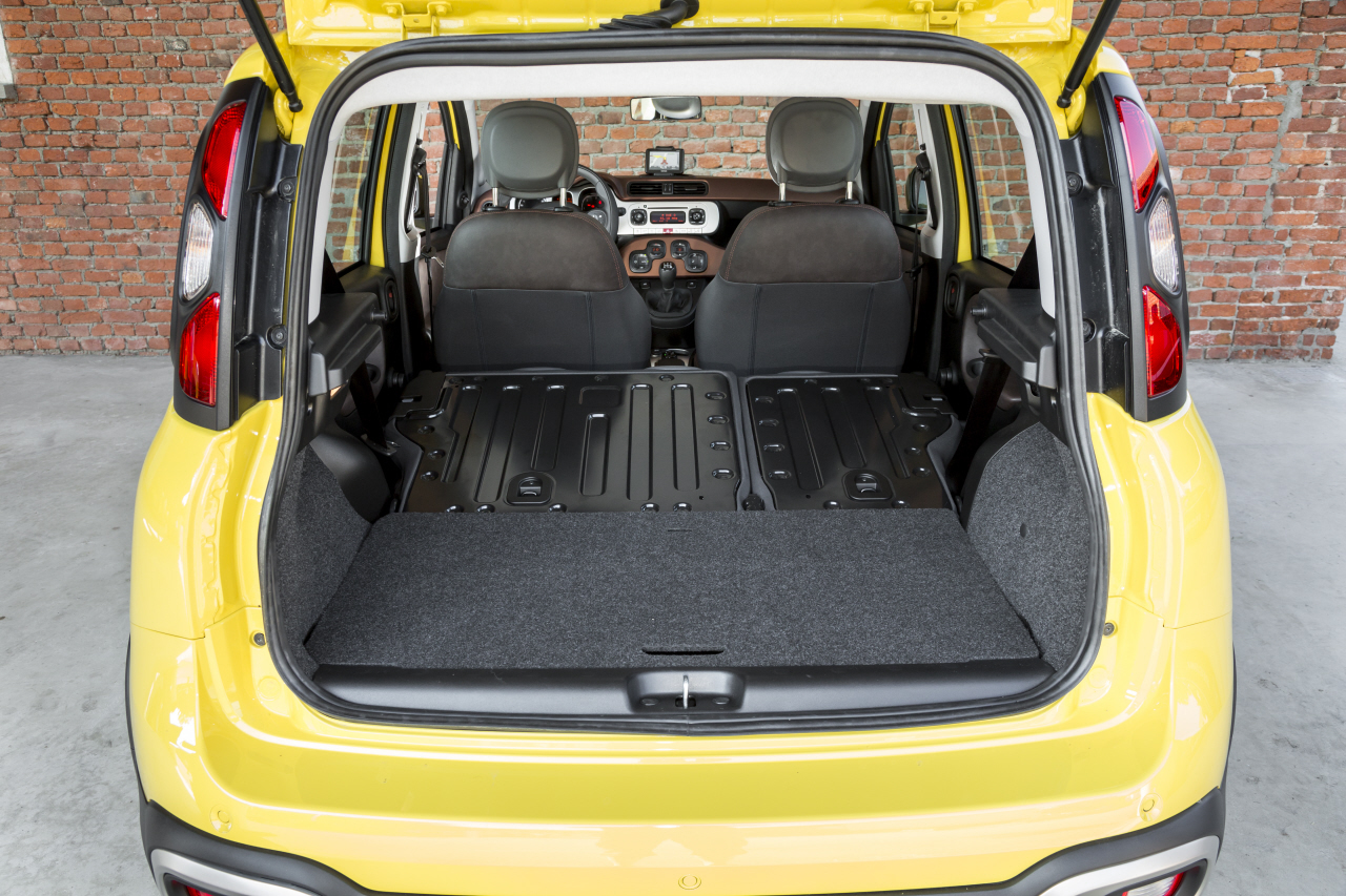 essai fiat panda cross la panda 4x4 qui grimpe aux arbres photo 71 l 39 argus. Black Bedroom Furniture Sets. Home Design Ideas