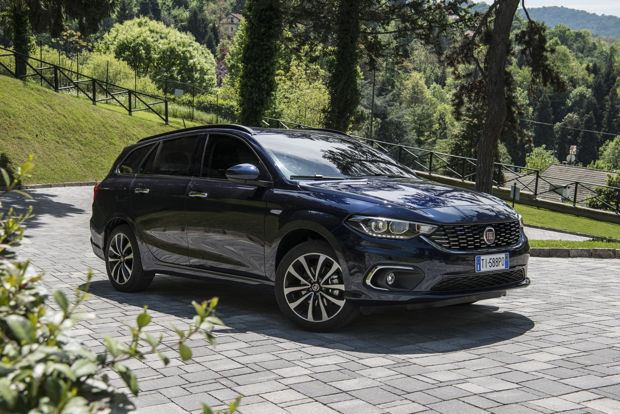 fiat tipo station wagon le break prix d 39 ami photo 17 l 39 argus. Black Bedroom Furniture Sets. Home Design Ideas