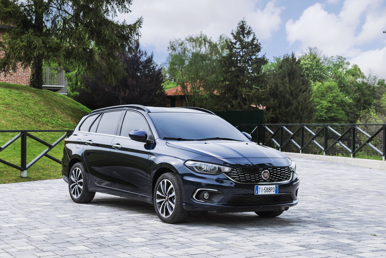 fiat tipo station wagon le break prix d 39 ami photo 27 l 39 argus. Black Bedroom Furniture Sets. Home Design Ideas