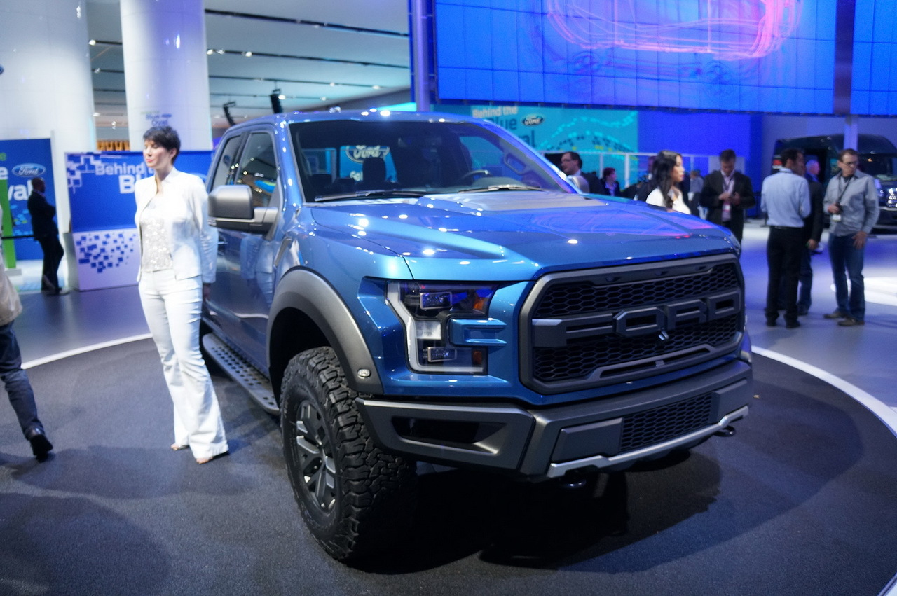 ford f 150 raptor 2015 en direct de detroit photo 3 l 39 argus. Black Bedroom Furniture Sets. Home Design Ideas