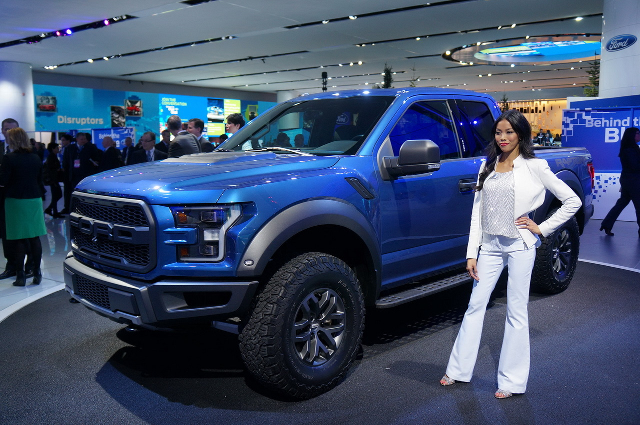 ford f 150 raptor 2015 en direct de detroit l 39 argus. Black Bedroom Furniture Sets. Home Design Ideas
