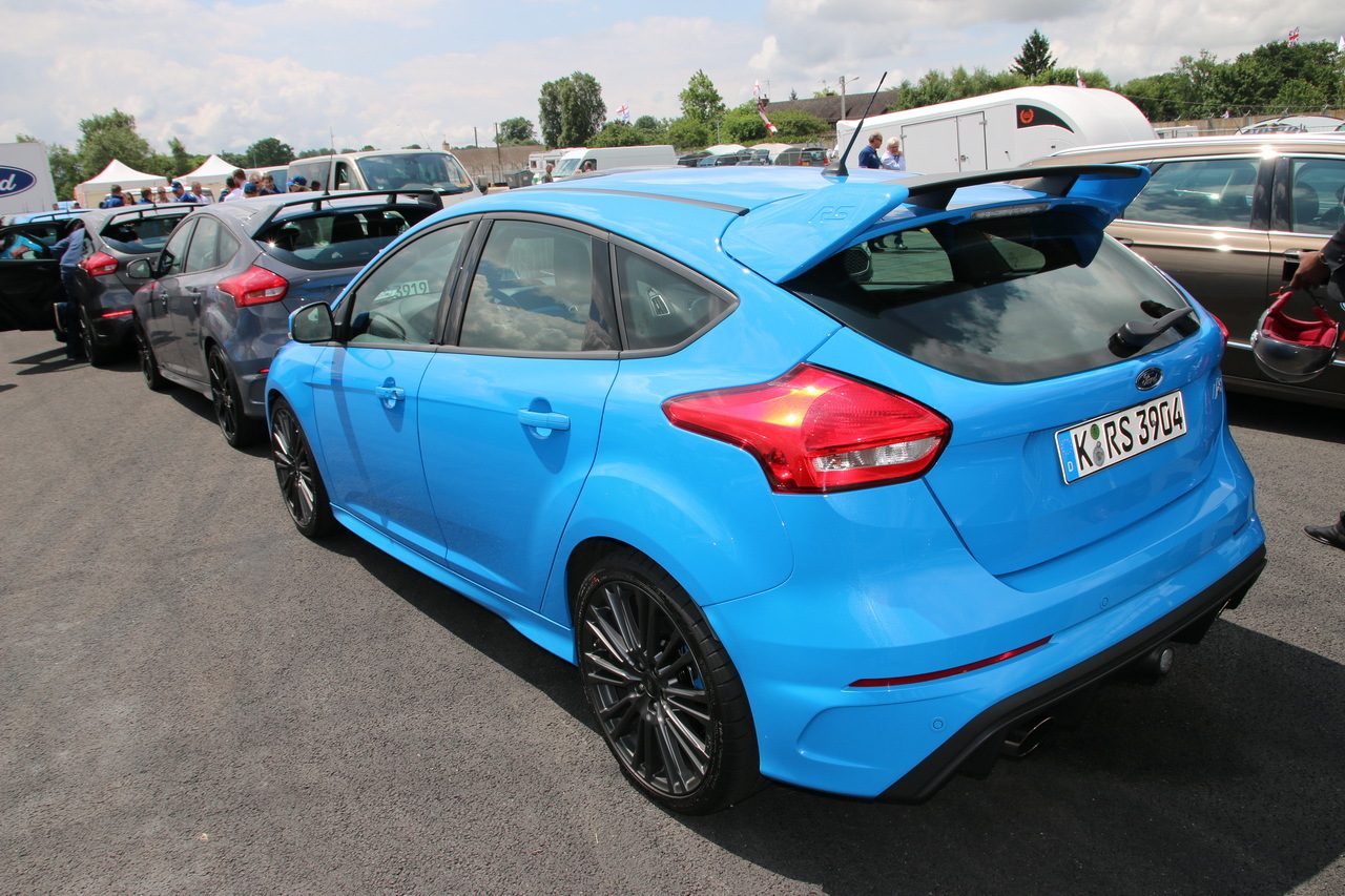 a bord de la ford focus rs sur le circuit des 24h du mans vid o photo 12 l 39 argus. Black Bedroom Furniture Sets. Home Design Ideas