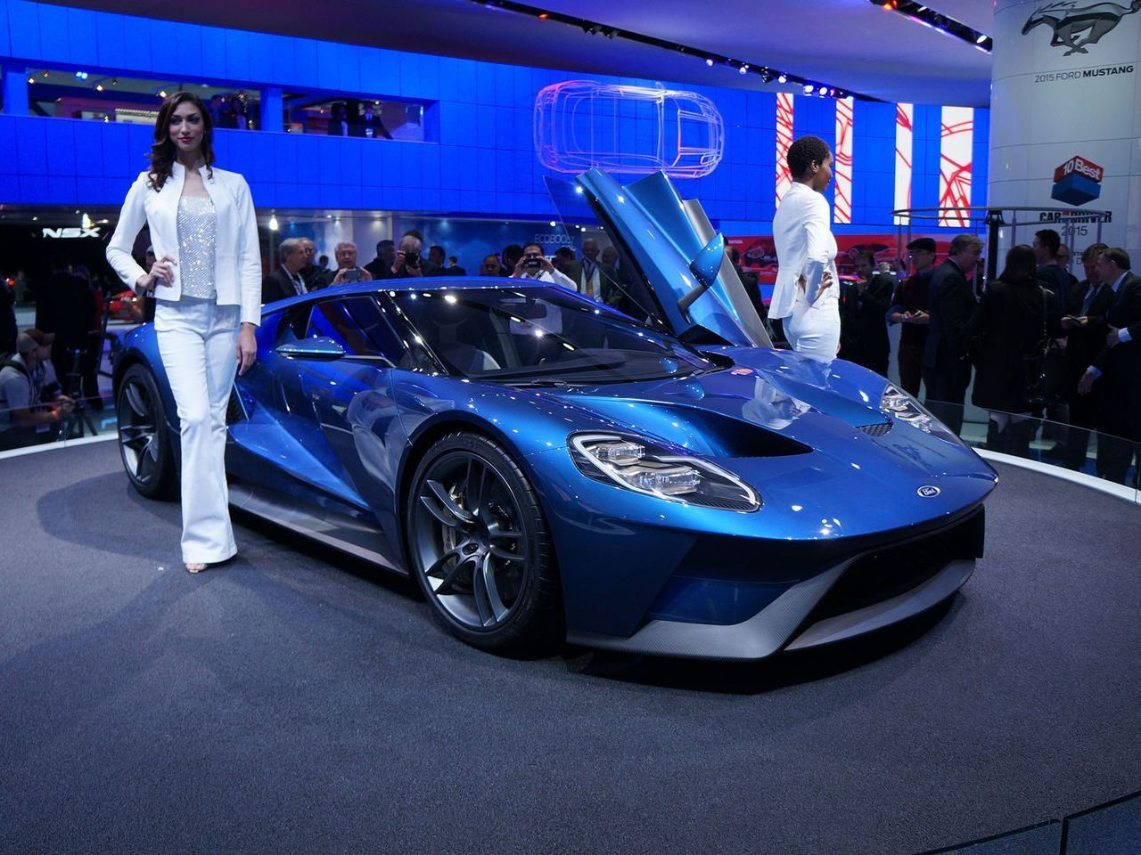 nouvelle ford gt une supercar pr vue pour 2016 l 39 argus. Black Bedroom Furniture Sets. Home Design Ideas